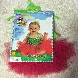 Infant Halloween costume, strawberry fresa, 0-6 m